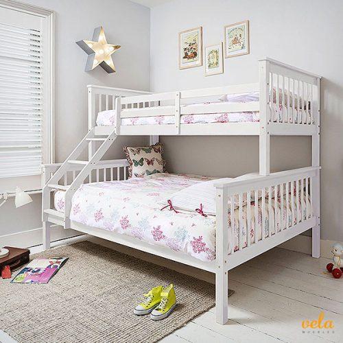 Litera triple niños, infantil con cama doble debajo. Color blanco madera