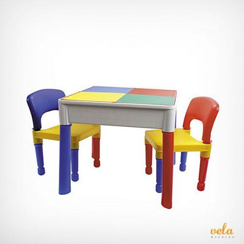 Mesas y sillas infantiles de plástico