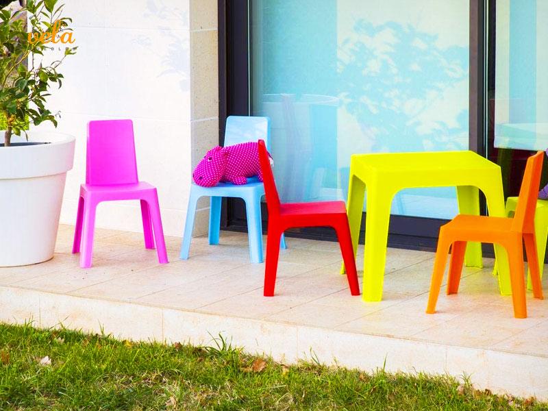 Muebles jardín niños